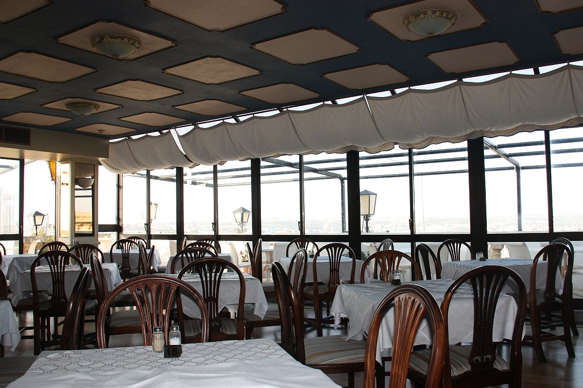 De Robertis restaurant on the 5th floor at Castille Hotel