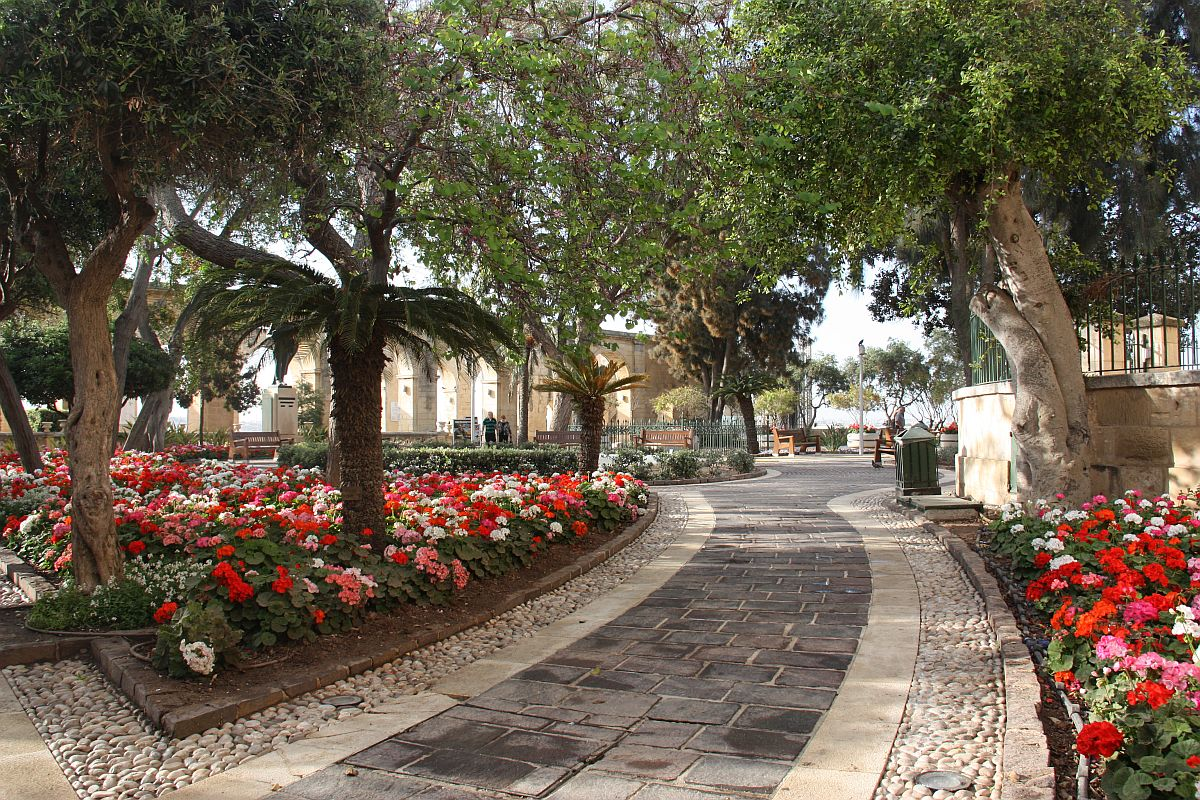 Upper Barrakka Gardens, a few meters away from Castille Hotel